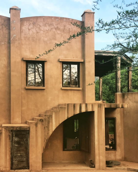 Boondocks exterior design with stairs