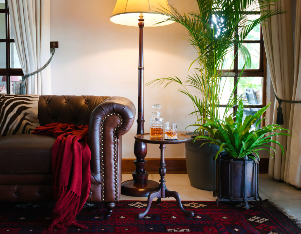 Bush Lodge lounge Tomjachu